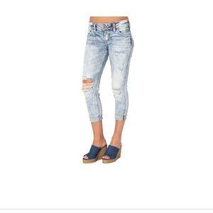 Sliver Capri Suki Jeans Light Wash super Stretch